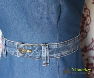 Ein 90er Jahre Jeanskleid